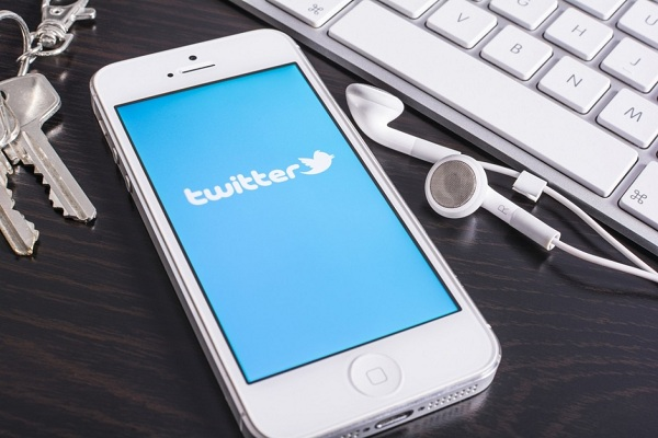 Twitter Updates- Increased Video Length, Periscope, Magic Pony